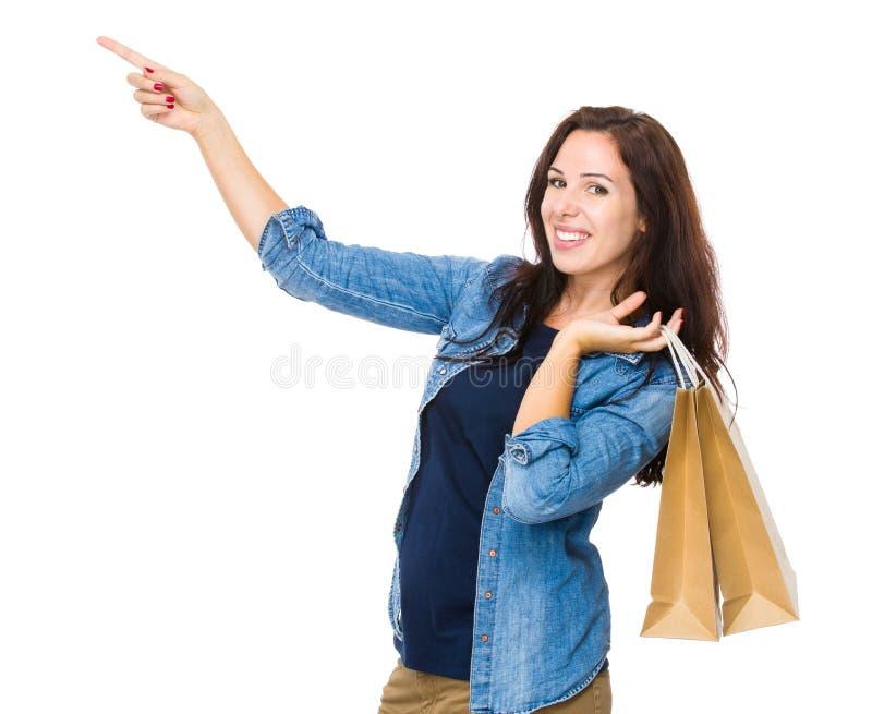 Download Prise De Femme D'achats Avec Le Panier Et Le Doigt Image stock - Image du fond, people: 45365559
