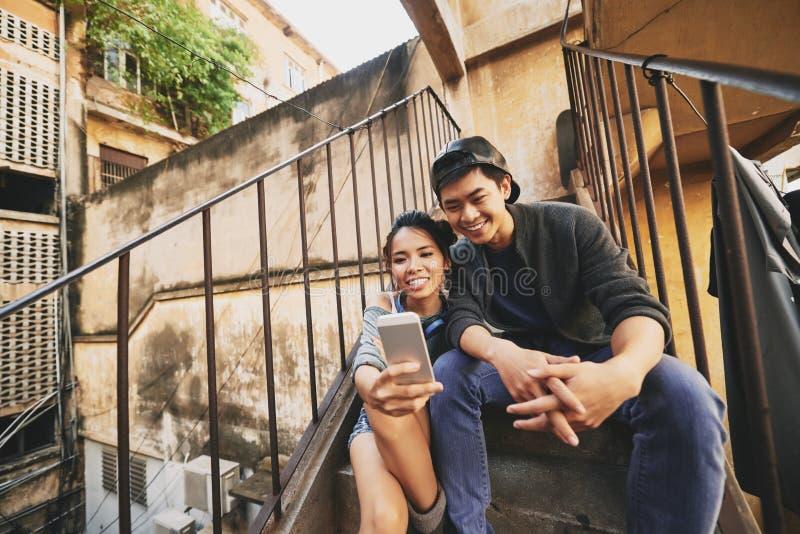 Prise de Selfie avec l'ami image libre de droits