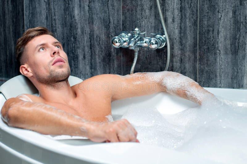 Prise du bain image stock