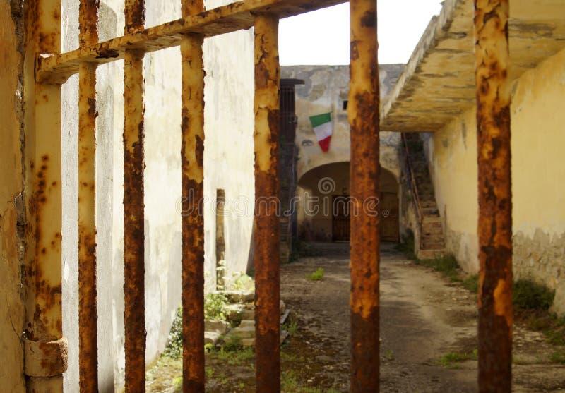 prisión militar anterior fotos de archivo