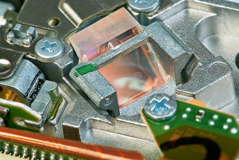 Prisma di vetro nell'azionamento di DVD immagini stock libere da diritti