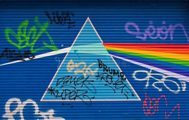 Prisma e grafittis claros imagens de stock royalty free