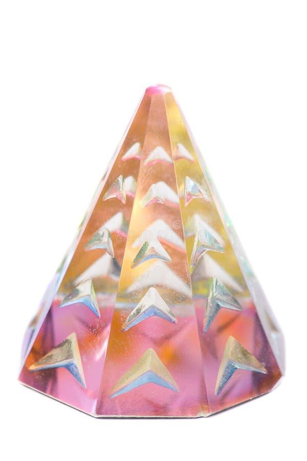 Prisme en cristal d'isolement sur le fond blanc pur photographie stock