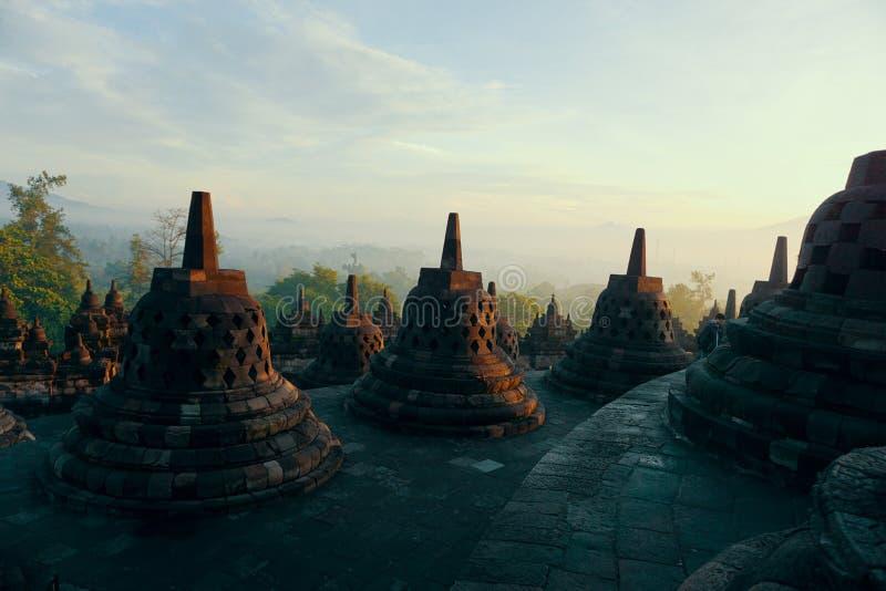 Privé Borobudur-tempel in de vroege ochtend stock foto's