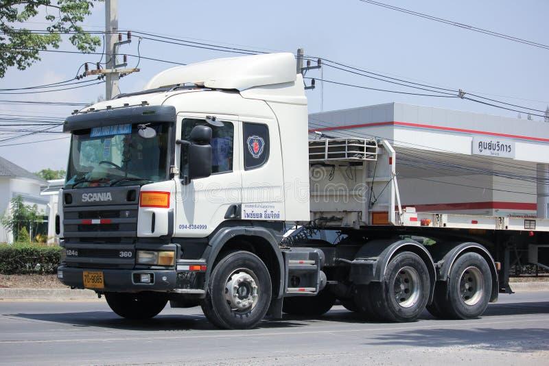 Privé Scania-Aanhangwagenvrachtwagen royalty-vrije stock fotografie