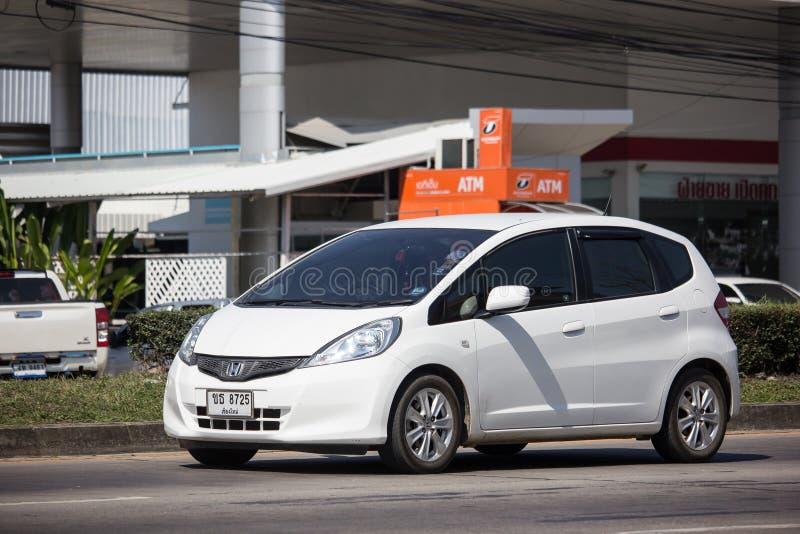 Privé stadsauto Honda Jazz Hatchback stock afbeeldingen