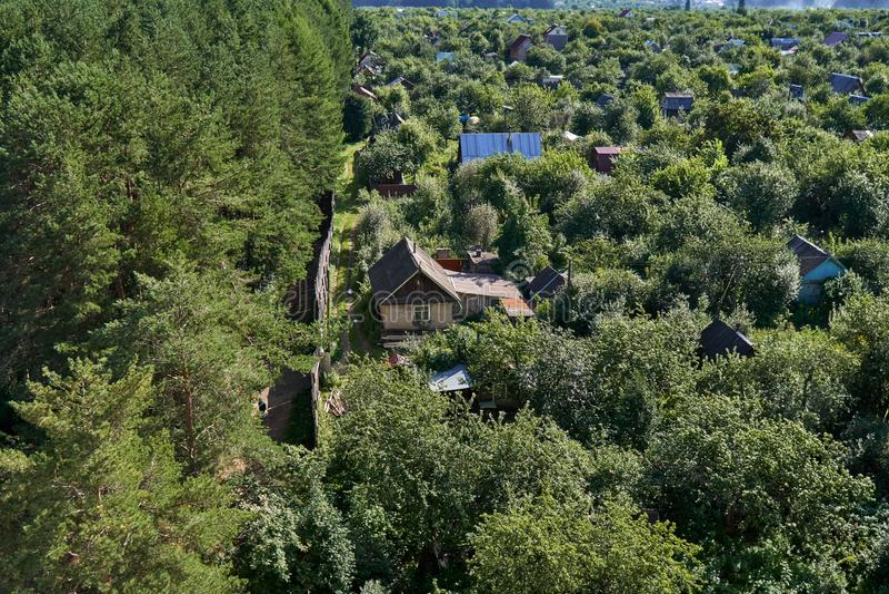 Privé tuinen in de stad royalty-vrije stock fotografie