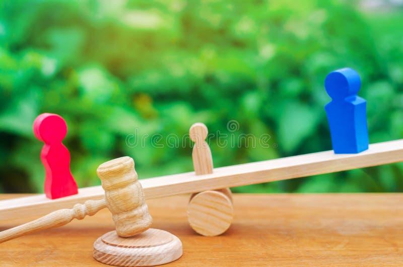 Privação de direitos parentais conceito da custódia de uma criança L imagem de stock