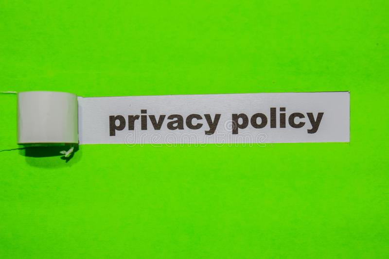 Privacybeleid, Inspiratie en bedrijfsconcept op groen gescheurd document royalty-vrije stock afbeeldingen