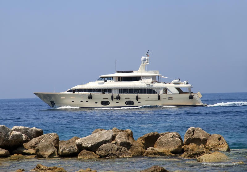 Privat lyxig yacht royaltyfri foto