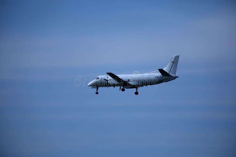 Privat nivå i himlen som landar arkivfoto