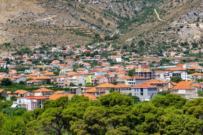 Privat sektor av den kroatiska semesterortstaden av Trogir det medelhavs- arkivfoto
