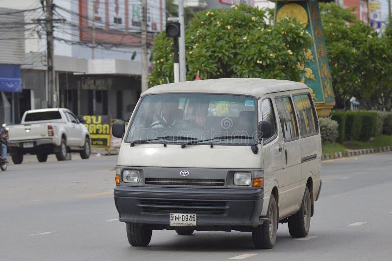 Privat skåpbil bil toyota skåpbil royaltyfri bild