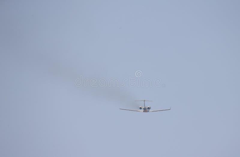 Privat stråle som tar av från den mallorca flygplatsen arkivbild