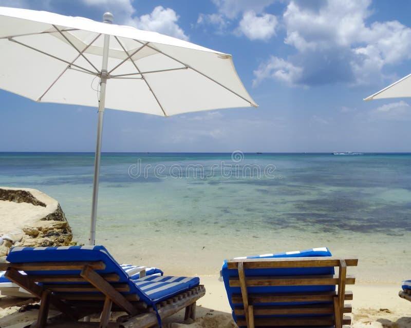 Privat strandsemesterort i Mexico royaltyfri fotografi