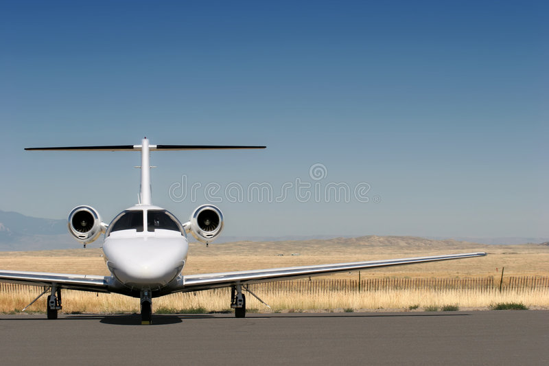 Privates Geschäftsflugzeug lizenzfreie stockbilder