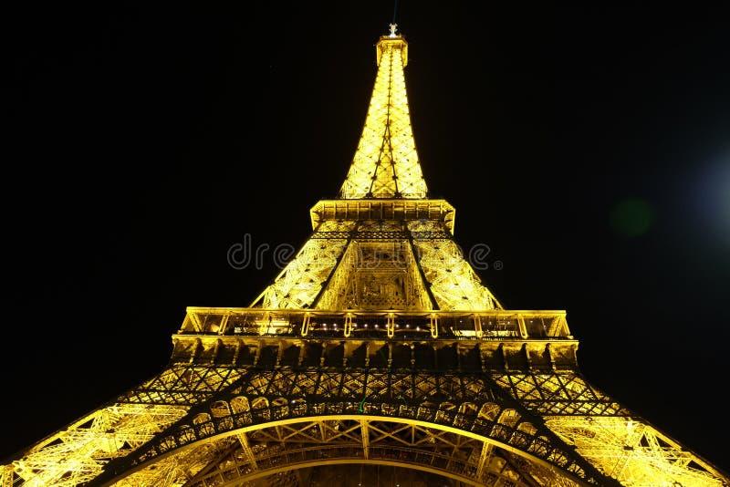 Privilegierte Ansicht des Eiffelturms lizenzfreie stockfotografie