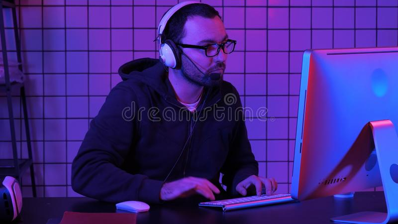 Pro лента Gamer подготавливая для игры стоковые фото