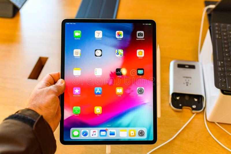 Pro apps della casa della compressa del nuovo iPad dei calcolatori Apple fotografia stock