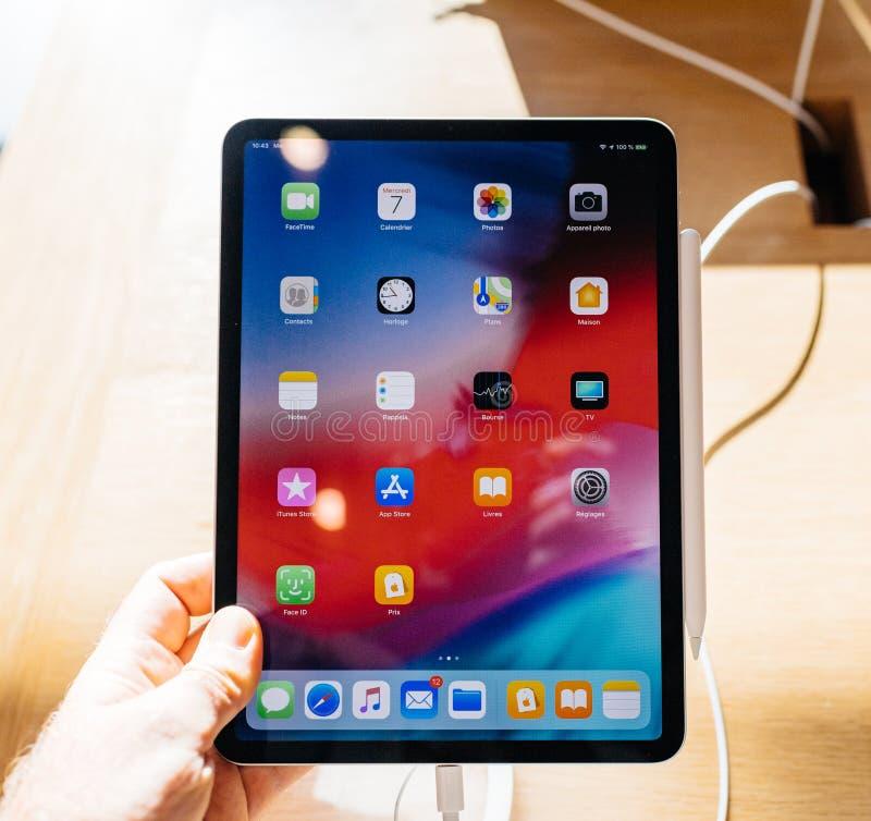 Pro apps dello schermo di casa della compressa del nuovo iPad dei calcolatori Apple fotografia stock