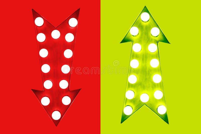 Pro - e - rosso di contro giù e verde sulle retro frecce d'annata illuminate con il fondo verde rosso delle lampadine illustrazione vettoriale