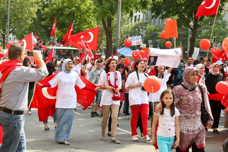 Pro-Erdogan demonstration i Munich, Tyskland royaltyfria bilder