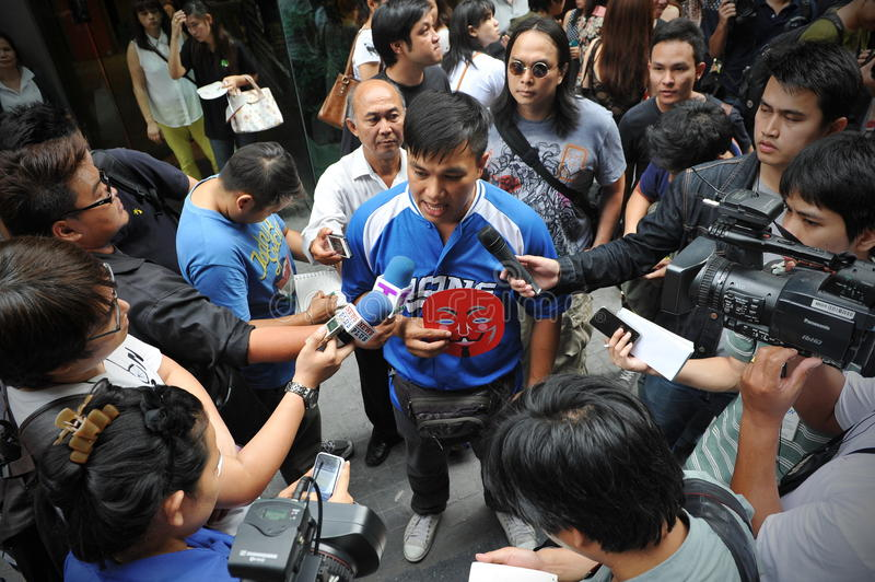 Download Pro-Government 'Red Shirt' Protest In Bangkok Editorial Photo - Image of breaking, grassroots: 31369401
