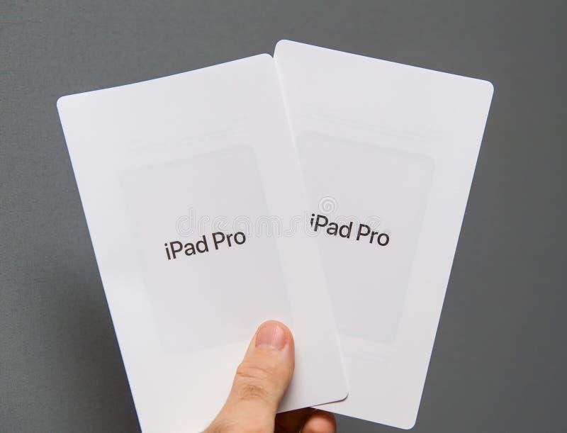 Pro manuale di insutrction della compressa del nuovo iPad dei calcolatori Apple fotografia stock