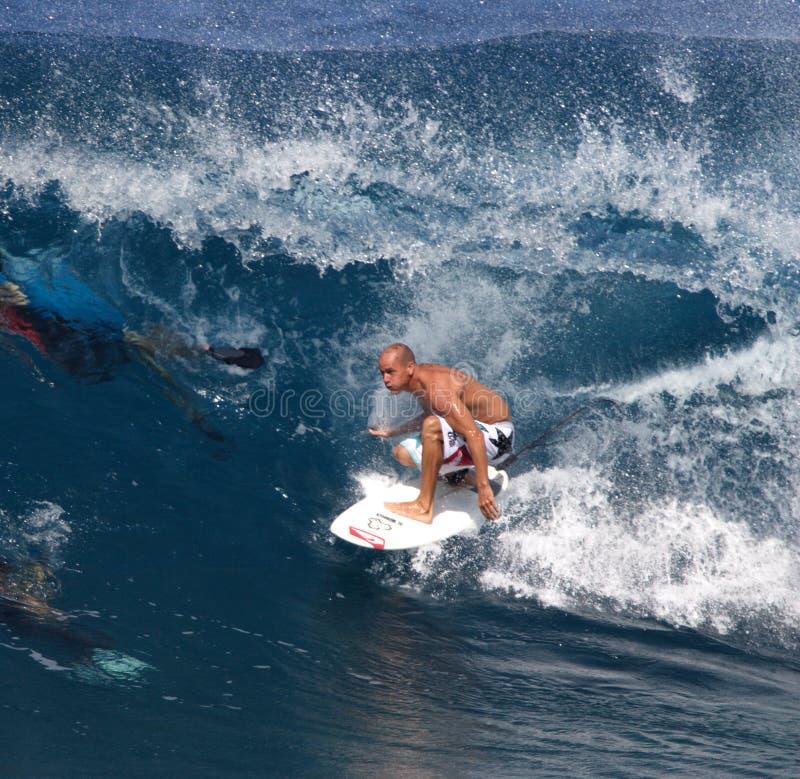 Pro operaio che ricopre i tetti con lastre d'ardesia di Kelley del surfista immagine stock libera da diritti