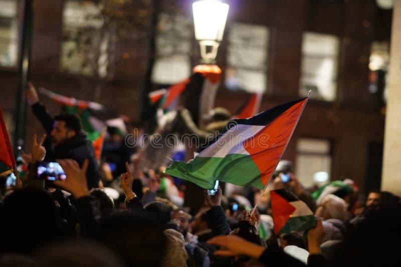 Pro-Palestijns protest na U S verklaring als het erkennen van de stad van Jeruzalem als de hoofdstad van Israël stock afbeeldingen