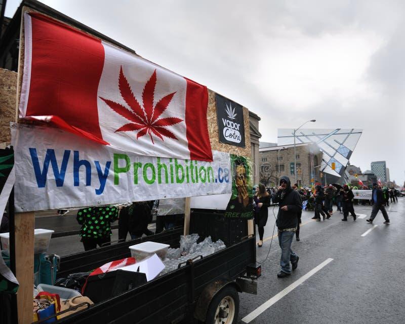 Pro parada da marijuana em Toronto foto de stock