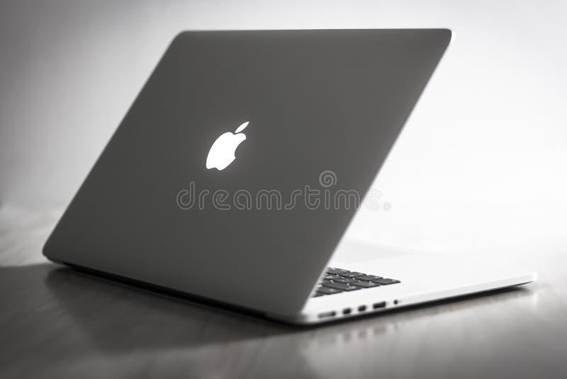 Pro retina di Macbook immagini stock