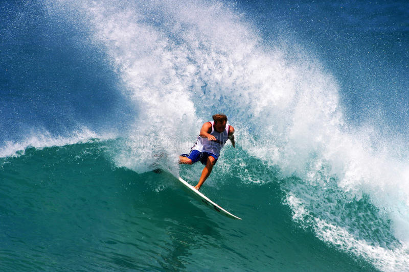 Download Pro Surfer Ross Williams Surfing In Hawaii Editorial Image - Image: 13883330