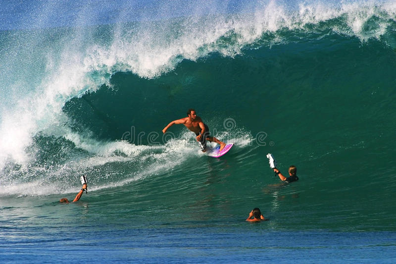 Download Pro Surfer Shane Dorian Surfing At Pipeline Editorial Image - Image: 13894505