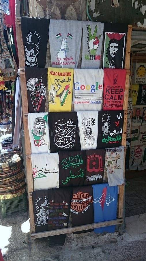 Pro T-shirts de Palestiniens à vendre à Jérusalem photographie stock libre de droits