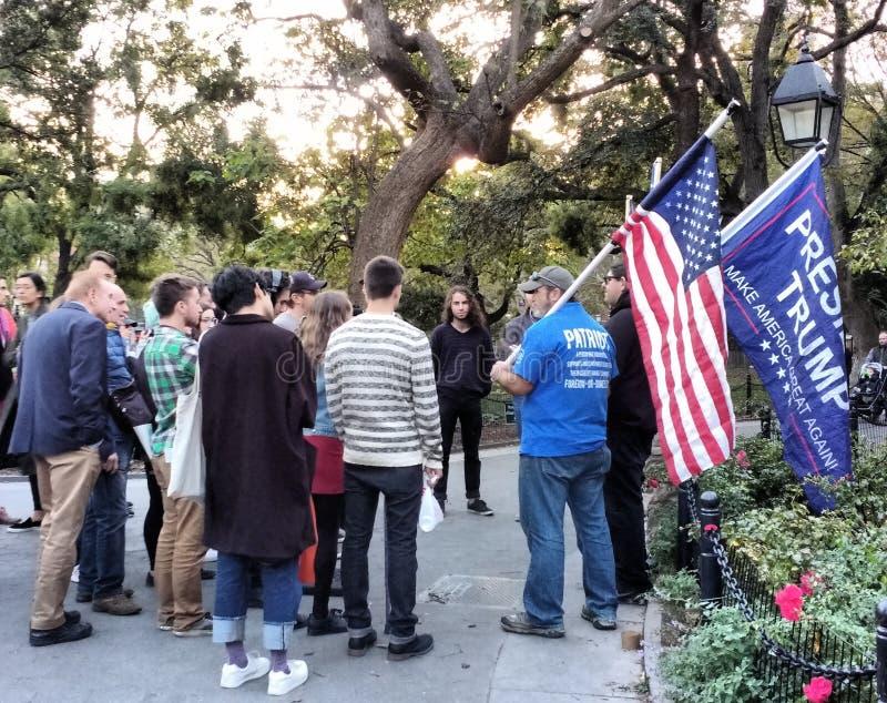 Pro-Trumpf, Trumpf-Anhänger, Washington Square Park, NYC, NY, USA lizenzfreie stockfotografie