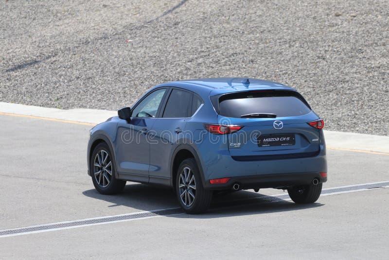 Probefahrt der zweiter Generation restyled Übergang SUV Mazdas CX-5 stockfotografie