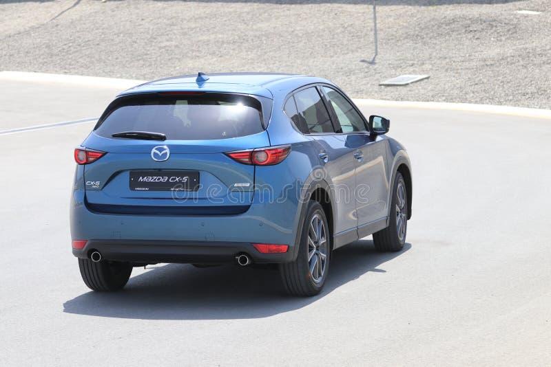Probefahrt der zweiter Generation restyled Übergang SUV Mazdas CX-5 lizenzfreies stockfoto