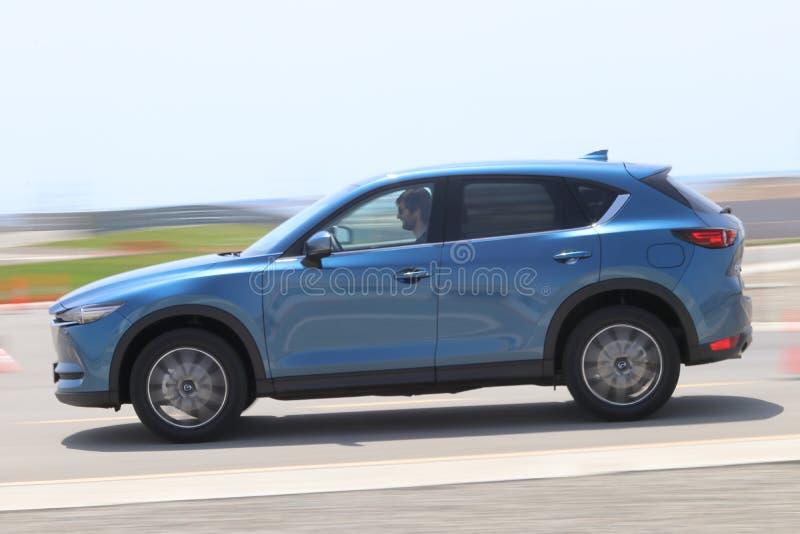 Probefahrt der zweiter Generation restyled Übergang SUV Mazdas CX-5 stockfoto