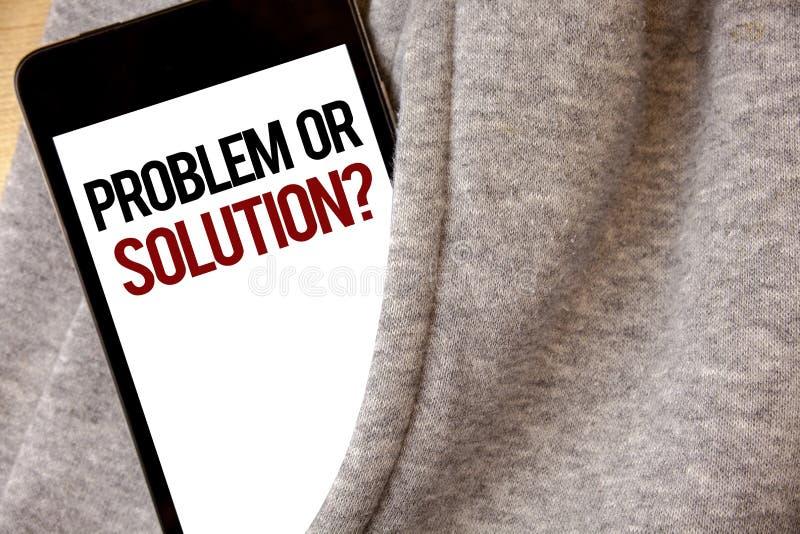 Problème d'écriture des textes d'écriture ou question de solution La signification de concept pensent résolvent l'analyse résolva photo libre de droits