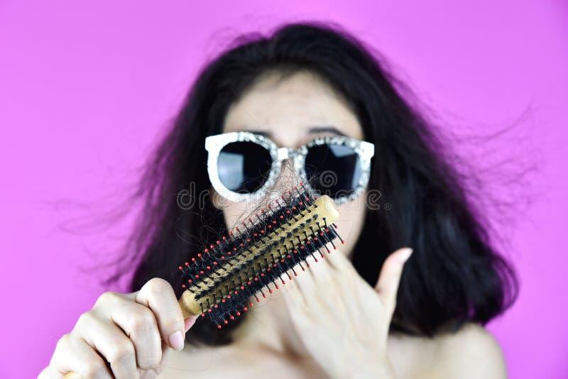 Problème de chute de cheveux image stock