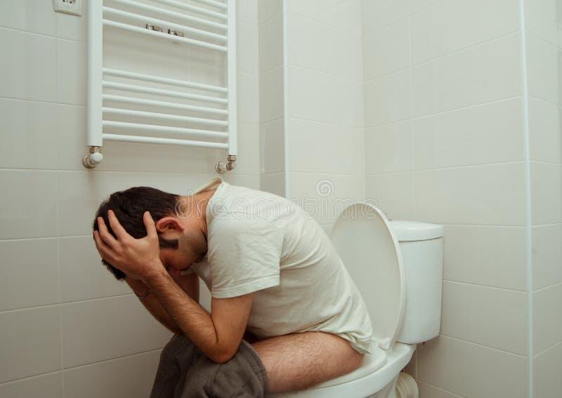 Problèmes dans la toilette photos stock