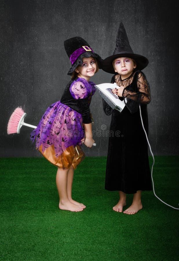 Probleem van de kinderen het magische bezem stock foto's