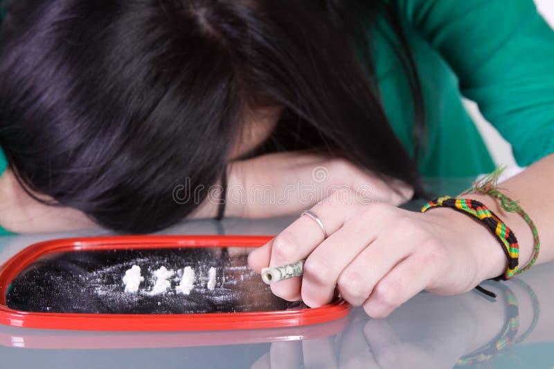 Problema adolescente da toxicodependência - cocaína fotografia de stock