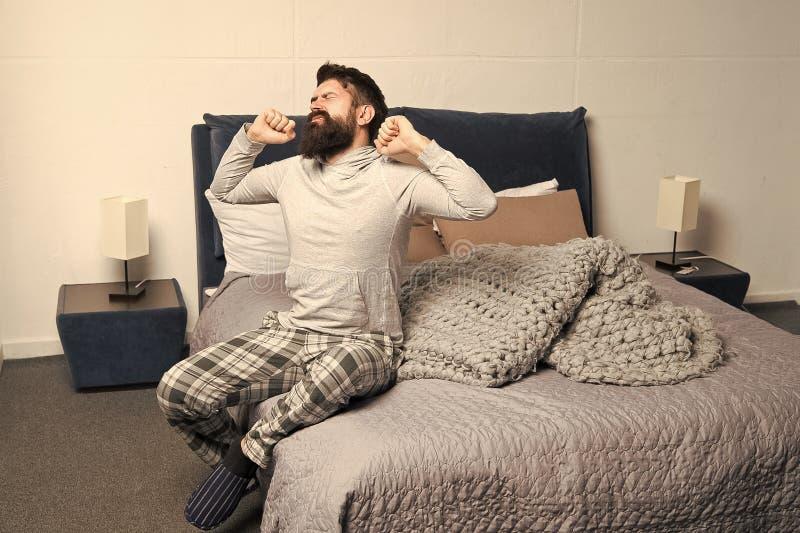 Problema com o amanhecer que desperta Levante-se cedo Pontas para acordar cedo Pijamas sonolentos da cara do moderno farpado do h fotos de stock royalty free