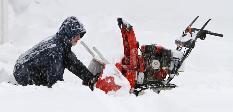 Problema na tempestade da neve fotografia de stock royalty free