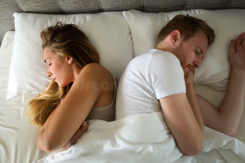 Problemas do relacionamento devido ao esforço imagens de stock royalty free