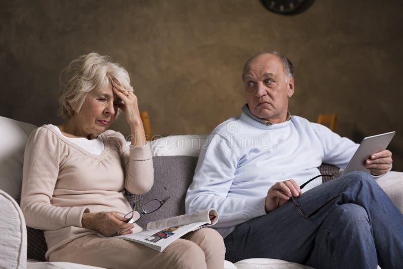 Problemy zdrowotni w starym małżeństwie obrazy royalty free
