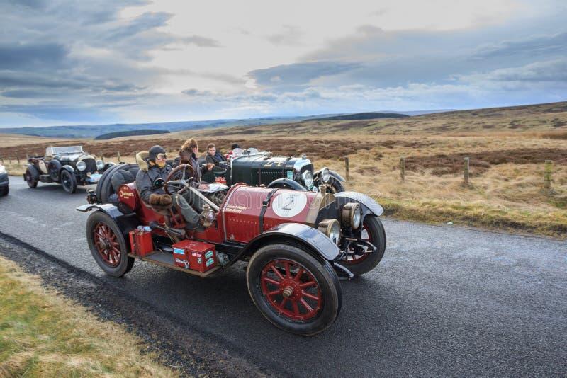 Procès de fiabilité de voiture de vintage par le Northumberland photographie stock