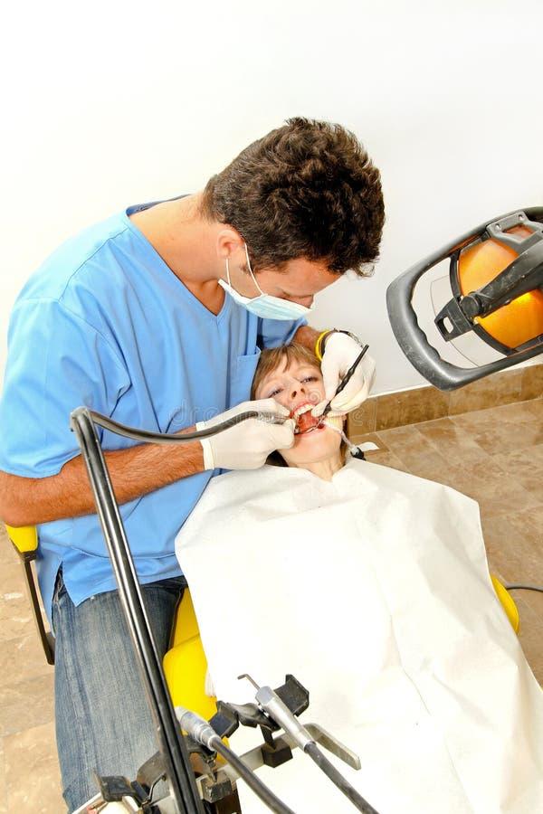 Procedimento do dentista fotografia de stock royalty free